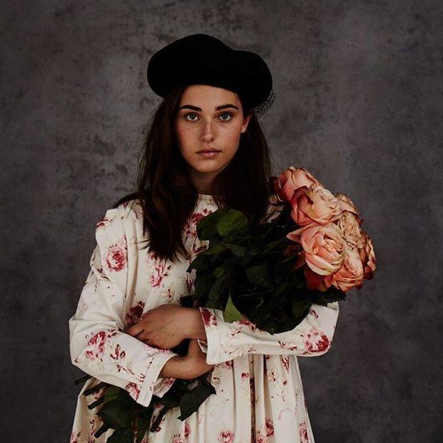 Christina Strutt 捲心菜和玫瑰 01